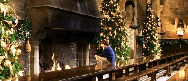 harry_potter_alone_at_the_fireplace_christmas_1991.jpg